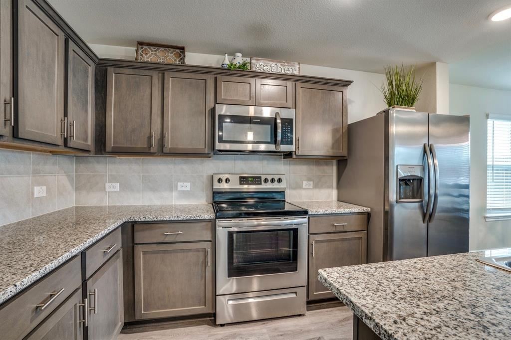 1705 Princeton  Avenue, Farmersville, Texas 75442 - acquisto real estate best real estate company to work for