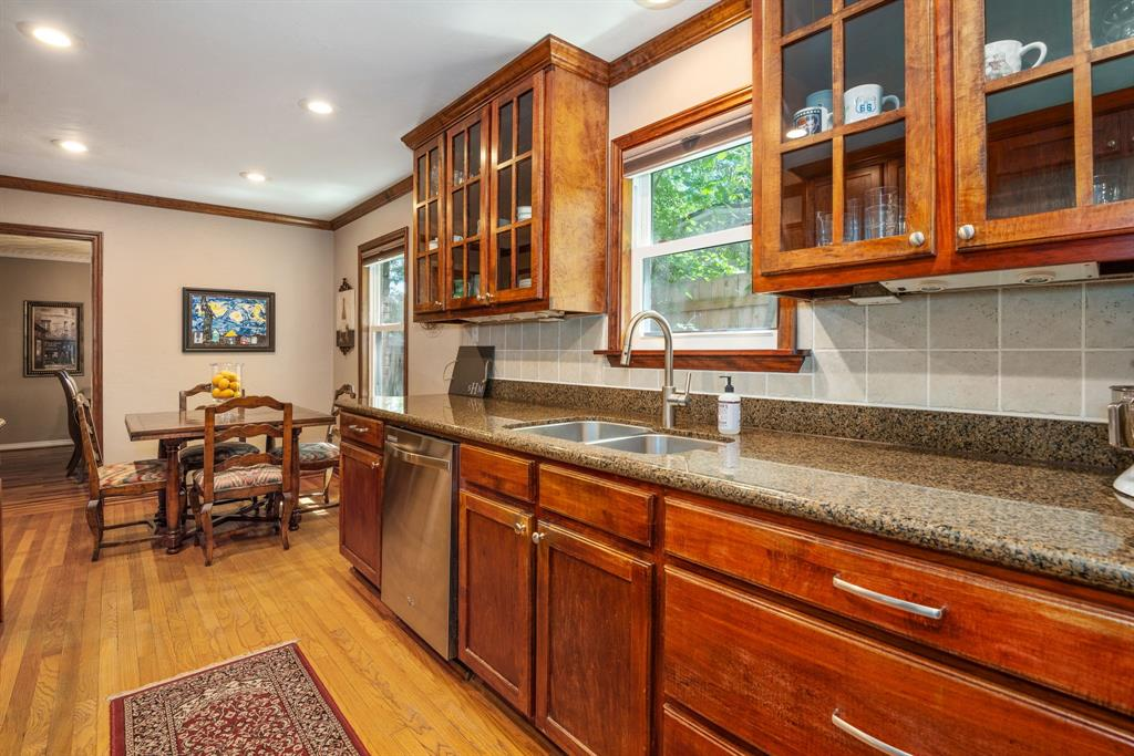 9525 Spring Branch  Drive, Dallas, Texas 75238 - acquisto real estate best new home sales realtor linda miller executor real estate