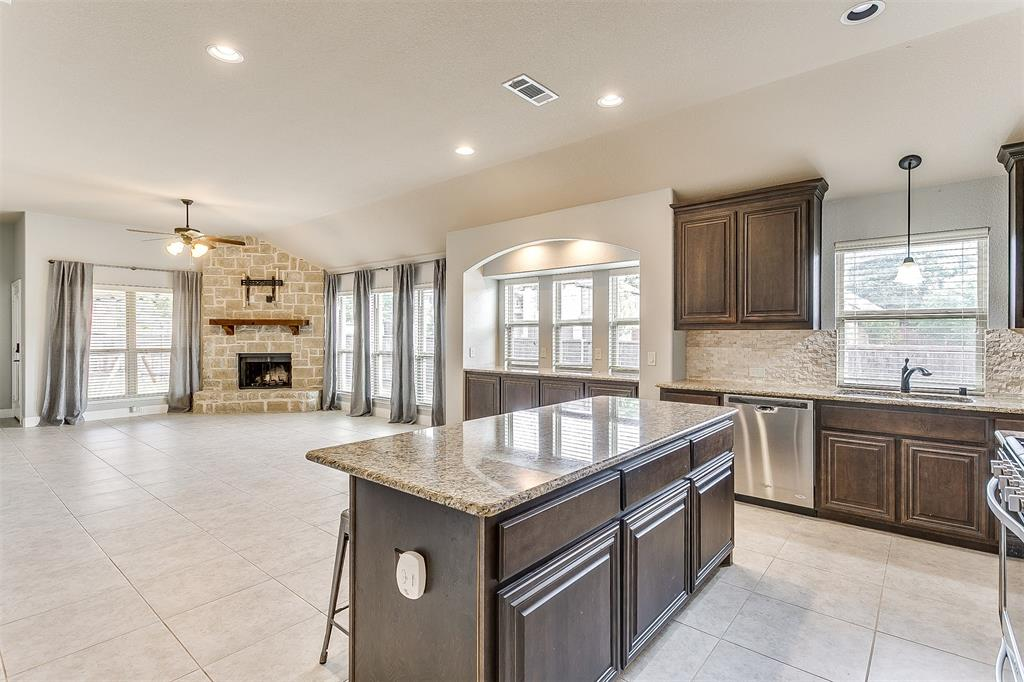 1000 Tarragon  Drive, Burleson, Texas 76028 - acquisto real estate best real estate company in frisco texas real estate showings