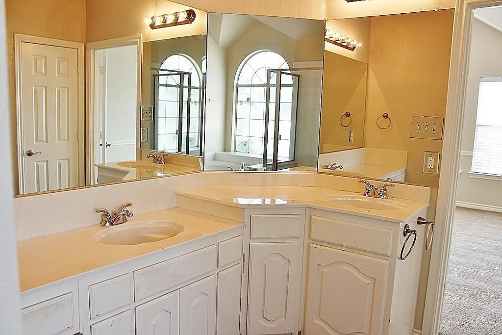 308 Larkspur  Court, Grand Prairie, Texas 75052 - acquisto real estate best designer and realtor hannah ewing kind realtor