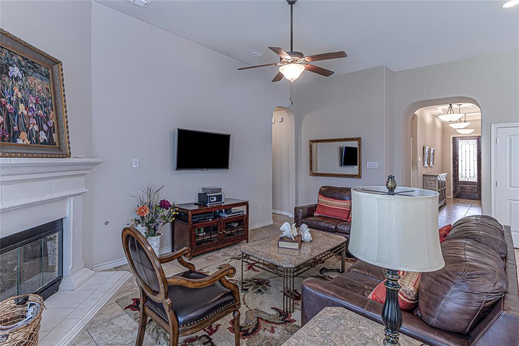 516 Caudle  Lane, Savannah, Texas 76227 - acquisto real estate best frisco real estate broker in texas for high net worth buyers