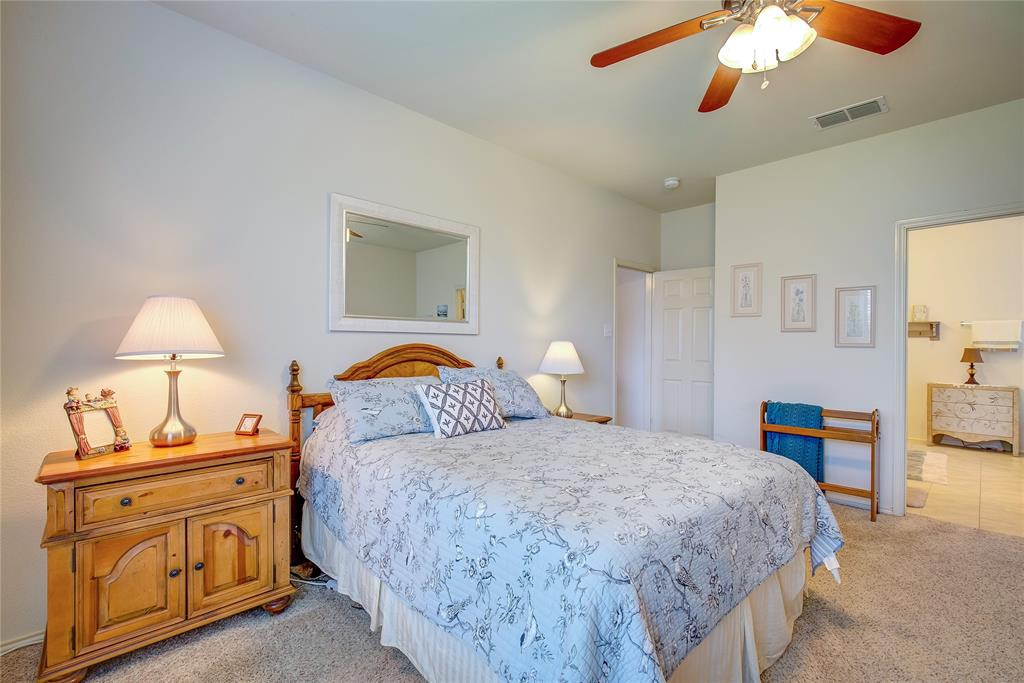 2116 Long Forest  Road, Heartland, Texas 75126 - acquisto real estate best style realtor kim miller best real estate reviews dfw