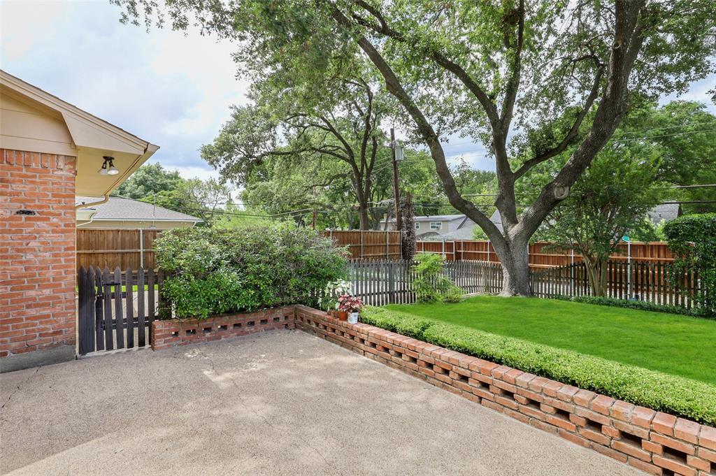 9525 Brentgate  Drive, Dallas, Texas 75238 - acquisto real estate best looking realtor in america shana acquisto