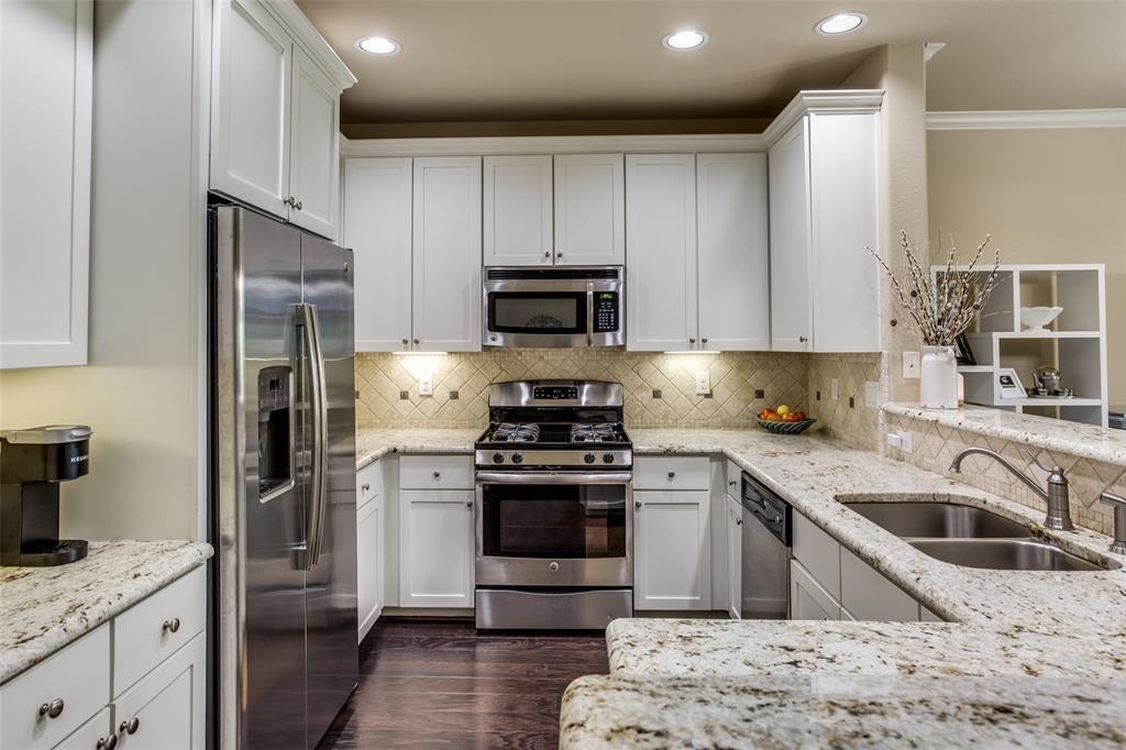 500 Waters Edge  Drive, Lake Dallas, Texas 75065 - acquisto real estate best prosper realtor susan cancemi windfarms realtor
