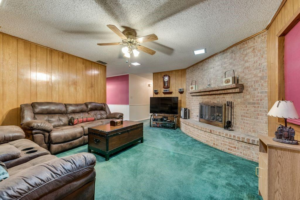 207 Hwy 75  Fairfield, Texas 75840 - acquisto real estate best photos for luxury listings amy gasperini quick sale real estate