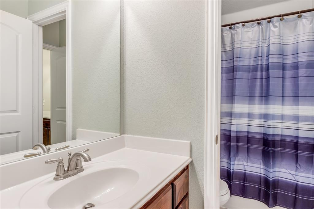 2425 Kingsgate  Drive, Little Elm, Texas 75068 - acquisto real estate best luxury home specialist shana acquisto