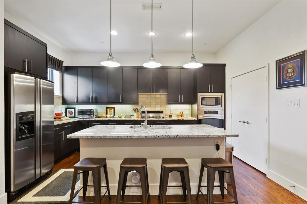 2411 Hall  Street, Dallas, Texas 75204 - acquisto real estate best real estate company in frisco texas real estate showings