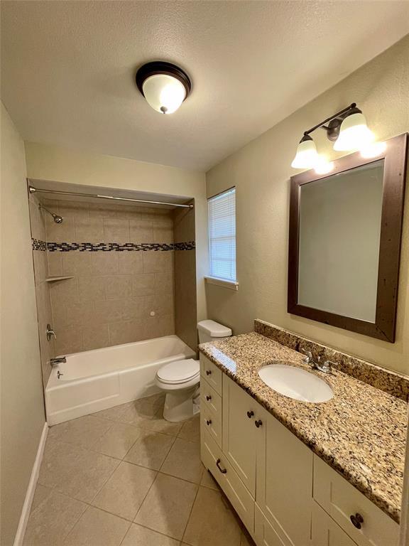 1723 Carlisle  Street, Irving, Texas 75062 - acquisto real estate best highland park realtor amy gasperini fast real estate service