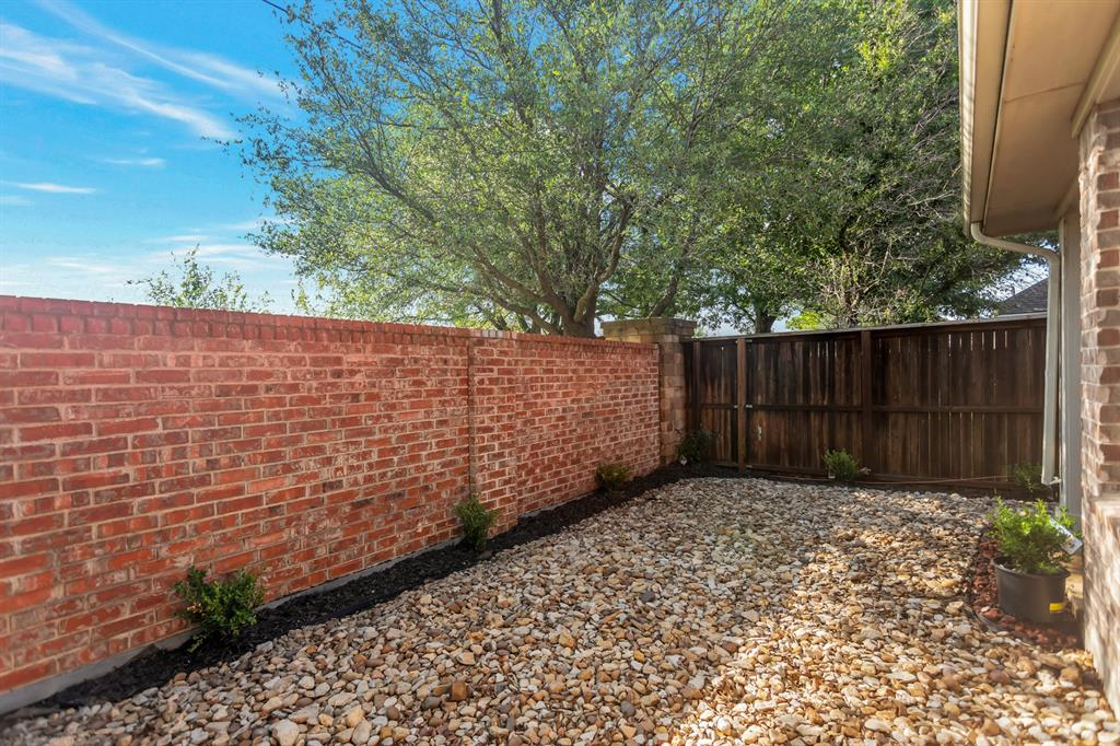 531 Kirby  Drive, Argyle, Texas 76226 - acquisto real estate best realtor dfw jody daley liberty high school realtor
