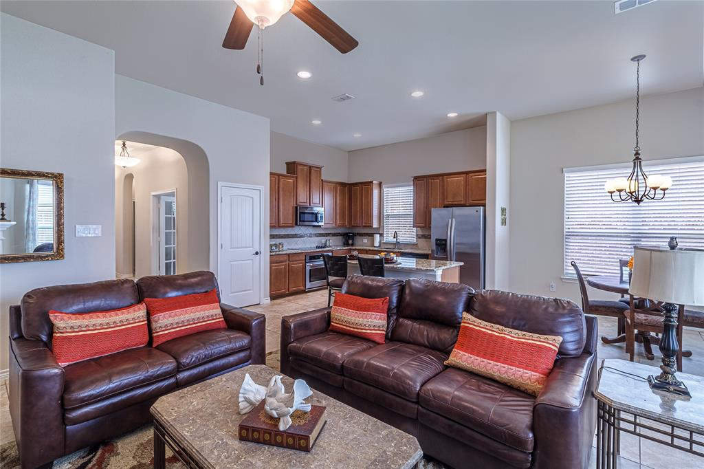 516 Caudle  Lane, Savannah, Texas 76227 - acquisto real estate best investor home specialist mike shepherd relocation expert