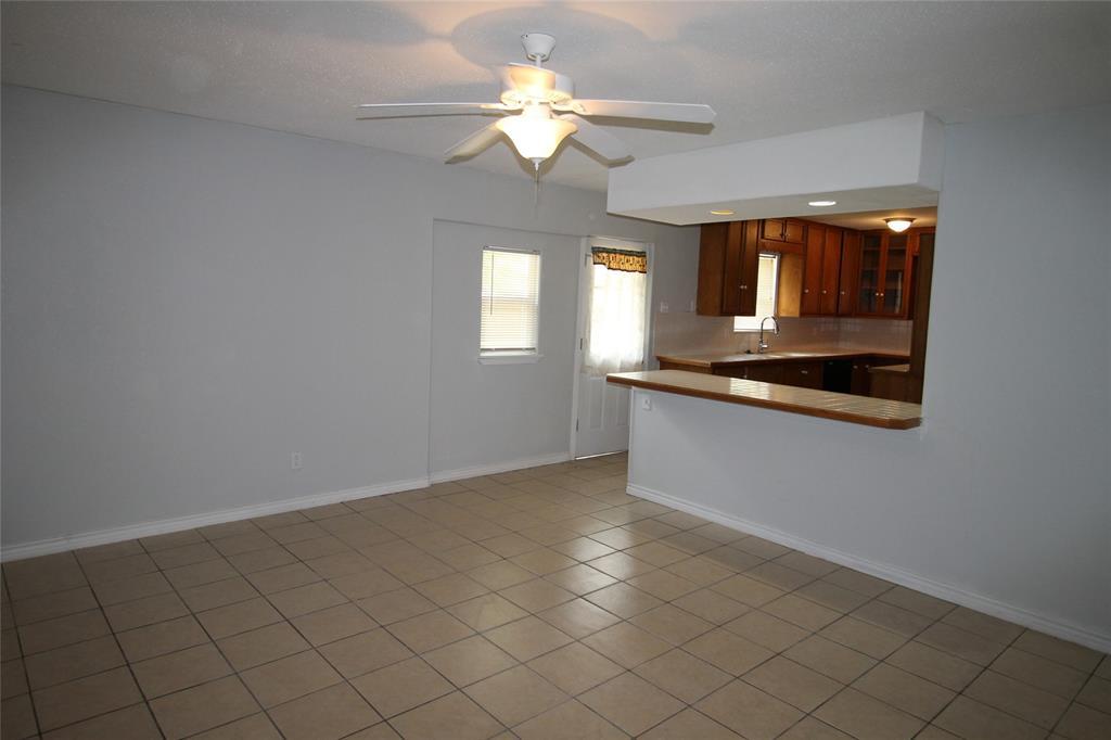 1019 Westwood  Drive, Lewisville, Texas 75067 - acquisto real estate best prosper realtor susan cancemi windfarms realtor