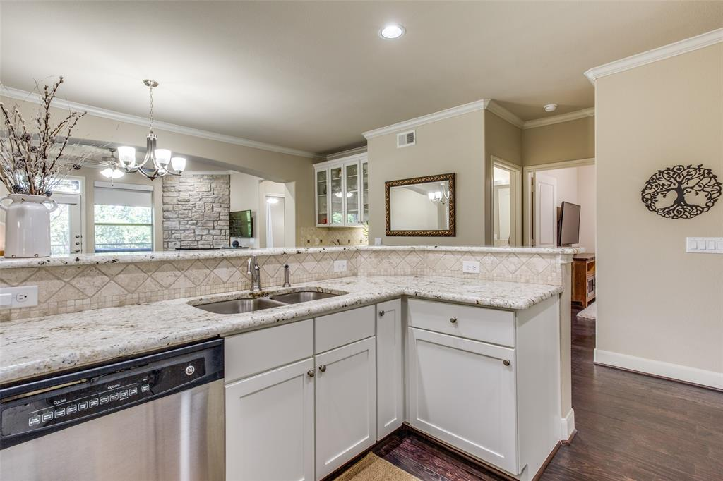 500 Waters Edge  Drive, Lake Dallas, Texas 75065 - acquisto real estate best real estate company in frisco texas real estate showings