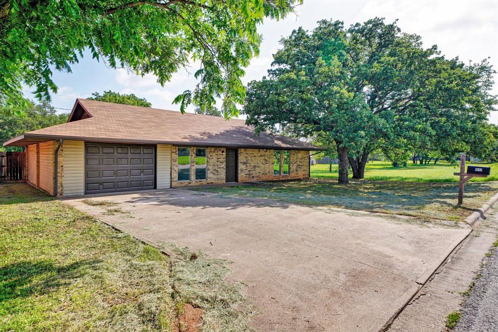 1512 Thomas  Lane, Graham, Texas 76450 - acquisto real estate best realtor dfw jody daley liberty high school realtor
