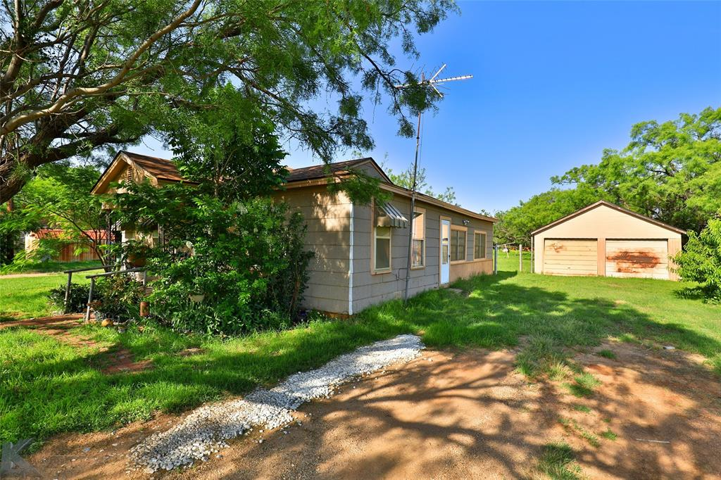 813 Orient  Street, Stamford, Texas 79553 - acquisto real estate best realtor foreclosure real estate mike shepeherd walnut grove realtor