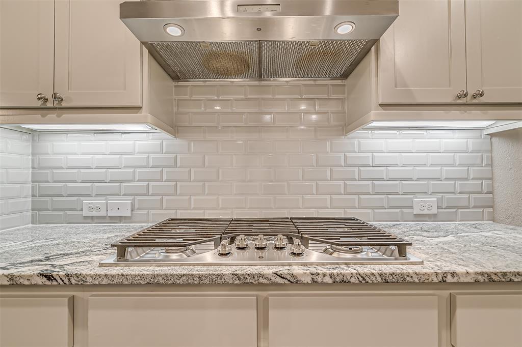 721 Wilmington  Lane, Savannah, Texas 76227 - acquisto real estate best luxury buyers agent in texas shana acquisto inheritance realtor