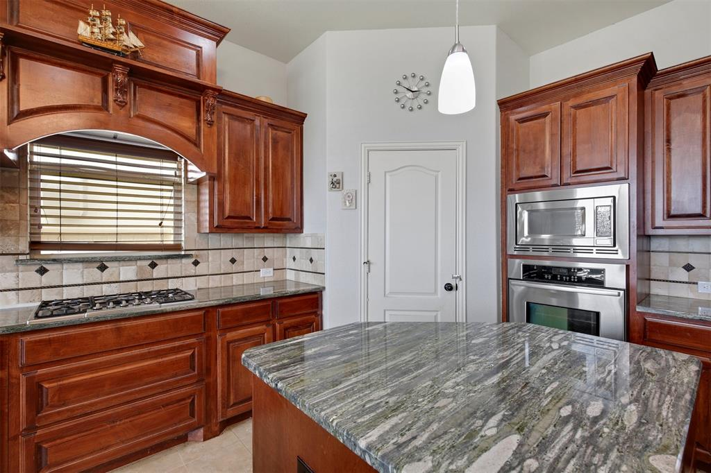 4714 Alcazar  Court, Irving, Texas 75062 - acquisto real estate best real estate company to work for
