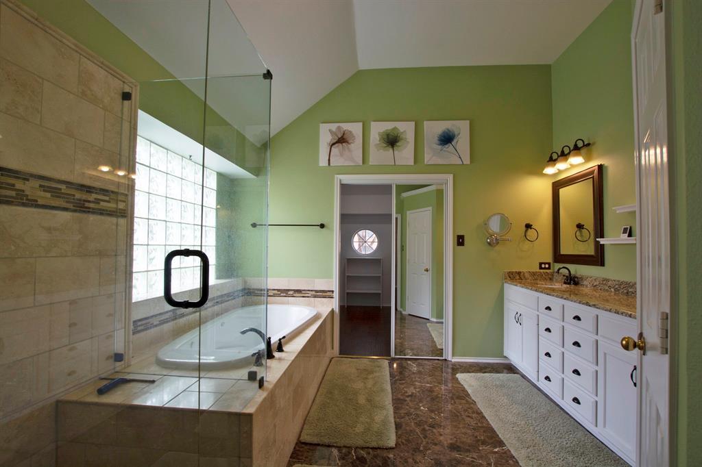 1701 Hill Creek  Drive, Garland, Texas 75043 - acquisto real estate best realtor dfw jody daley liberty high school realtor