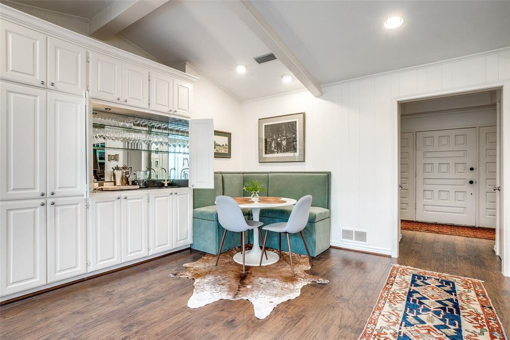 4240 Glenaire  Drive, Dallas, Texas 75229 - acquisto real estate best new home sales realtor linda miller executor real estate