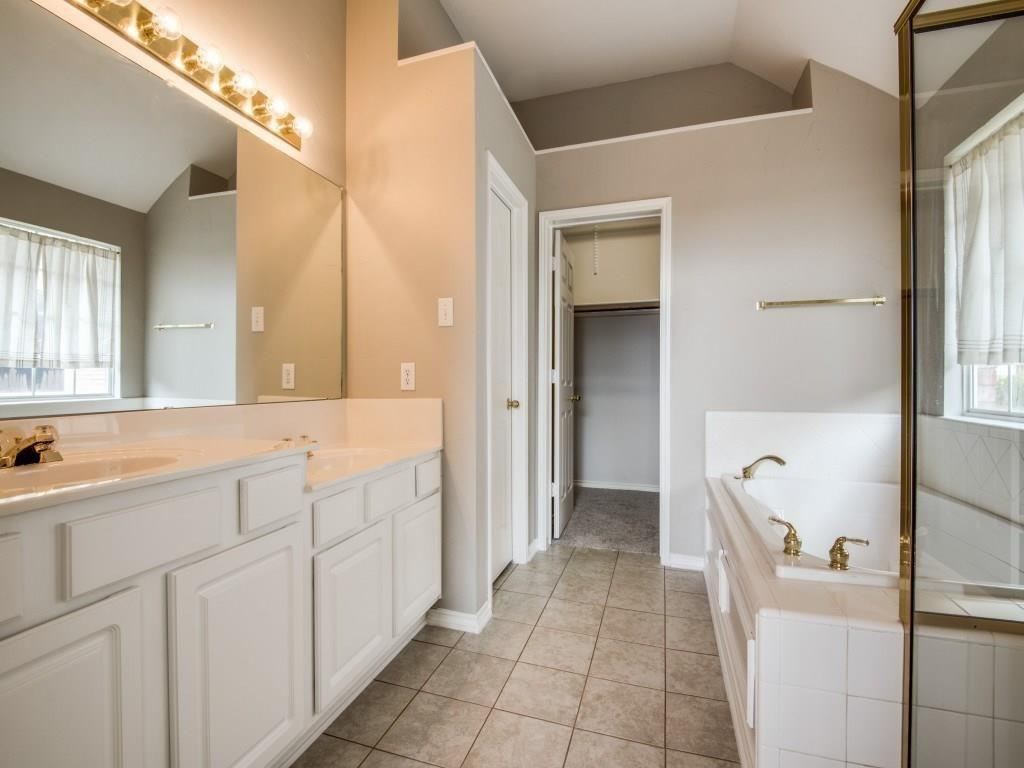 10005 Belfort  Drive, Frisco, Texas 75035 - acquisto real estate best photos for luxury listings amy gasperini quick sale real estate