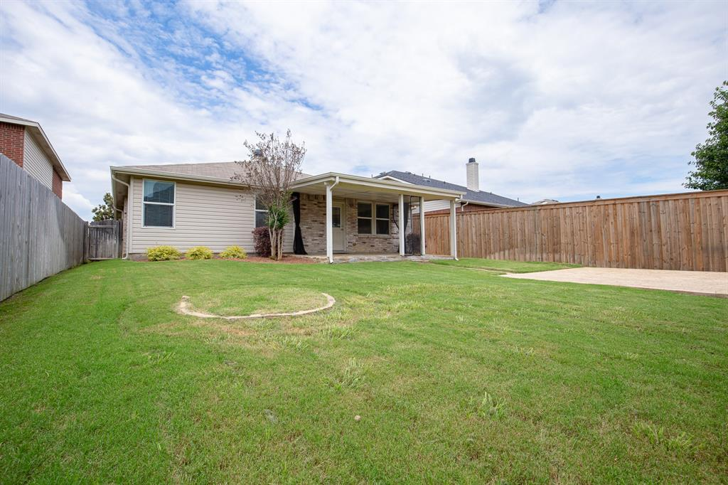 6117 St James  Place, Denton, Texas 76210 - acquisto real estate best photos for luxury listings amy gasperini quick sale real estate
