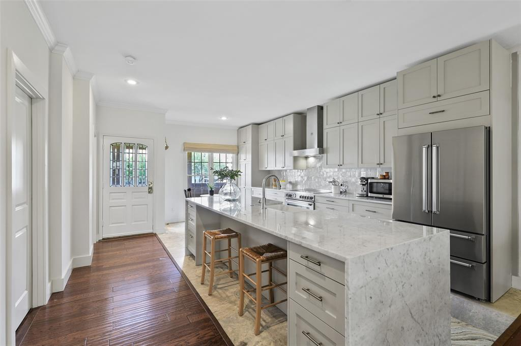 3509 Dickason  Avenue, Dallas, Texas 75219 - Acquisto Real Estate best plano realtor mike Shepherd home owners association expert