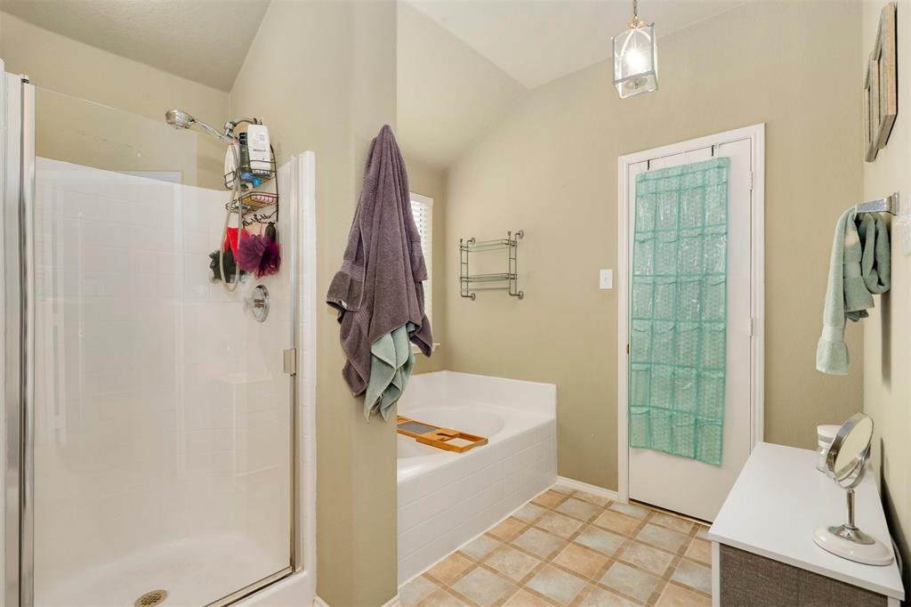 1012 Aviary  Drive, Aubrey, Texas 76227 - acquisto real estaet best boutique real estate firm in texas for high net worth sellers