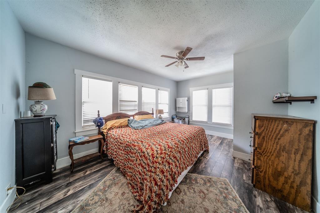 114 Scurlock  Avenue, Cleburne, Texas 76031 - acquisto real estate best highland park realtor amy gasperini fast real estate service