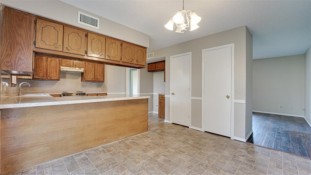 329 Hyles  Street, Italy, Texas 76651 - acquisto real estate best real estate company to work for