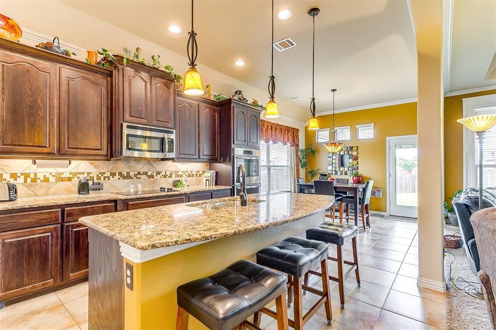 1172 Sapphire  Lane, Burleson, Texas 76058 - acquisto real estate best designer and realtor hannah ewing kind realtor