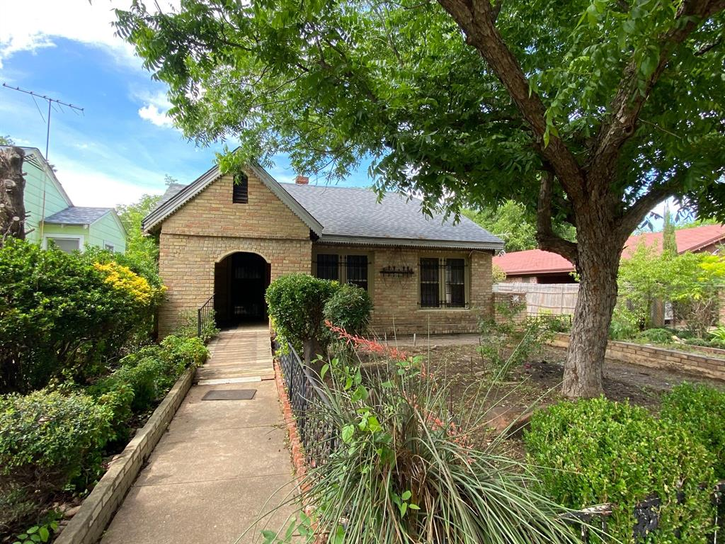 403 Drew  Street, Fort Worth, Texas 76110 - Acquisto Real Estate best plano realtor mike Shepherd home owners association expert