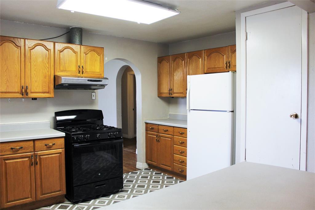 200 Lennox  Street, Stephenville, Texas 76401 - acquisto real estate best celina realtor logan lawrence best dressed realtor