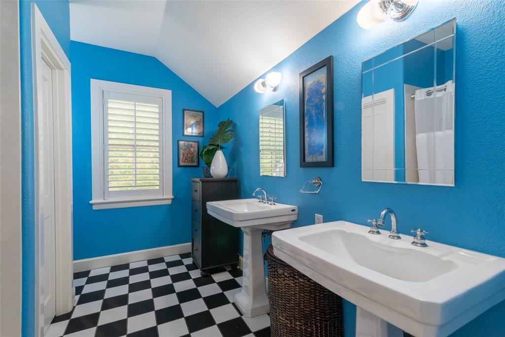 2340 Washington  Street, Sherman, Texas 75092 - acquisto real estate best looking realtor in america shana acquisto