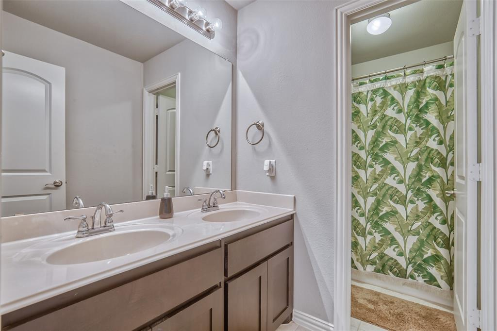 201 Brentwood  Drive, DeSoto, Texas 75115 - acquisto real estate best looking realtor in america shana acquisto