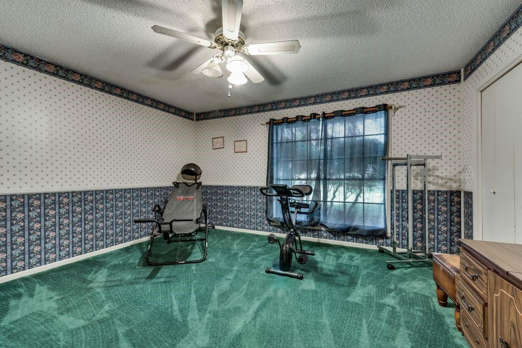 207 Hwy 75  Fairfield, Texas 75840 - acquisto real estate best park cities realtor kim miller best staging agent