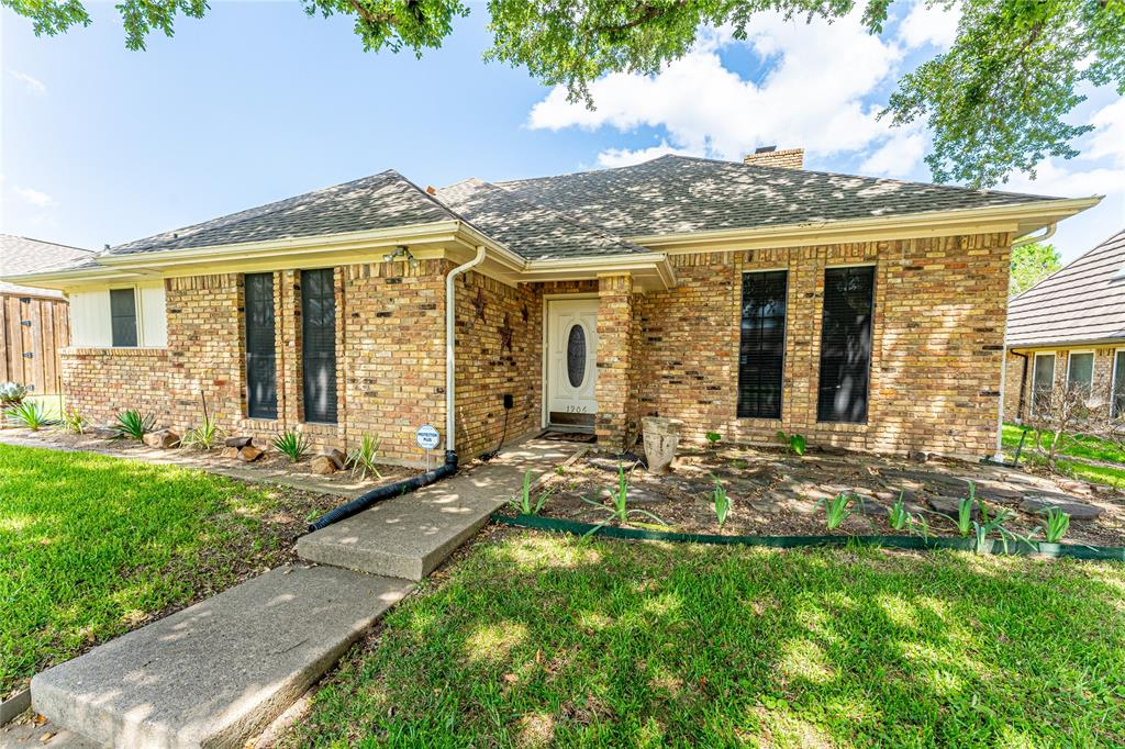 1906 Dover  Drive, Rowlett, Texas 75088 - acquisto real estate best park cities realtor kim miller best staging agent