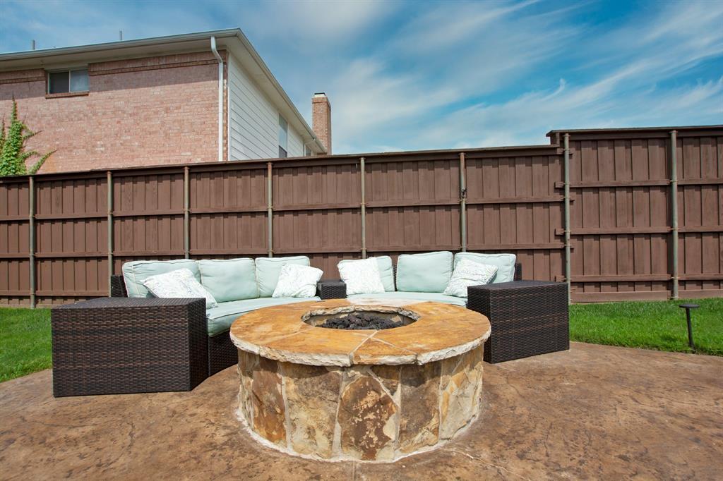1701 Hill Creek  Drive, Garland, Texas 75043 - acquisto real estate best celina realtor logan lawrence best dressed realtor