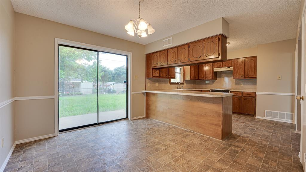 329 Hyles  Street, Italy, Texas 76651 - acquisto real estate best real estate company in frisco texas real estate showings