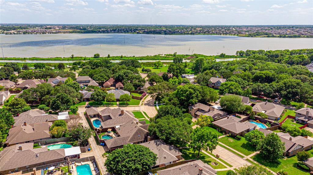 1906 Dover  Drive, Rowlett, Texas 75088 - acquisto real estate best luxury home specialist shana acquisto