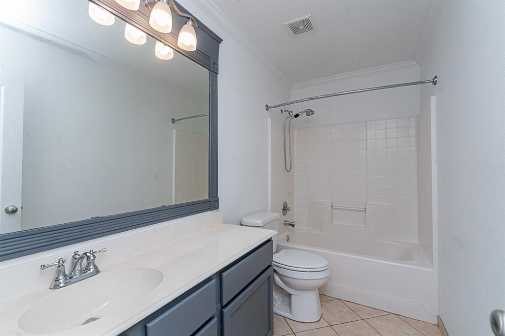 604 Meadowgate  Drive, Allen, Texas 75002 - acquisto real estate best the colony realtor linda miller the bridges real estate