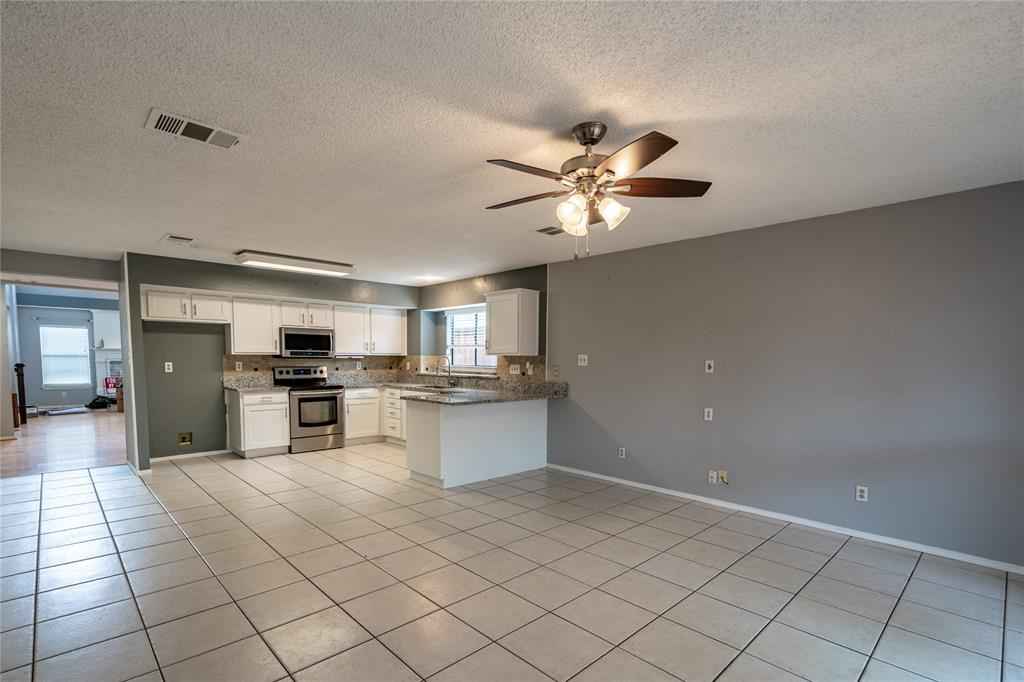 998 Acorn  Drive, Lewisville, Texas 75067 - acquisto real estate best real estate company in frisco texas real estate showings