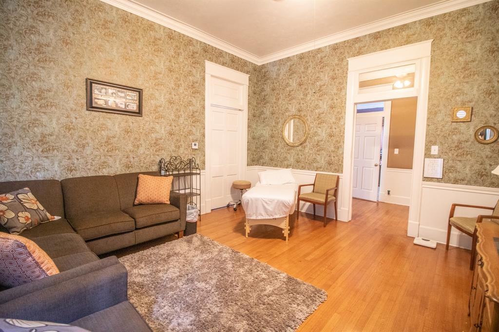421 Bonner  Avenue, Tyler, Texas 75702 - acquisto real estate best new home sales realtor linda miller executor real estate