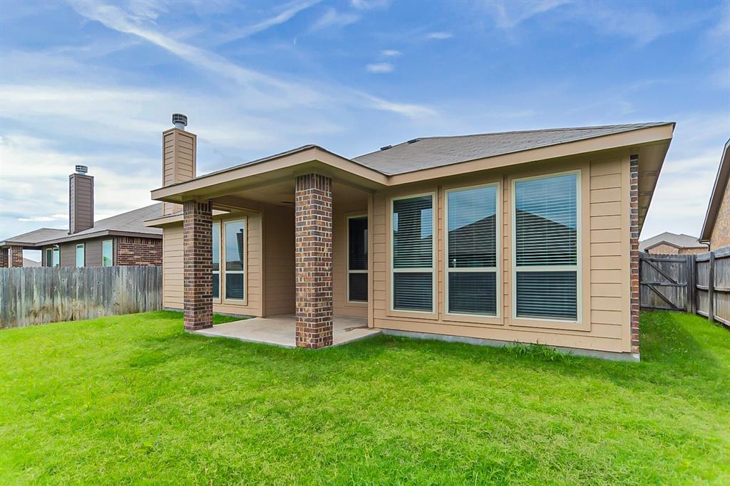 11308 Dorado Vista  Trail, Fort Worth, Texas 76052 - acquisto real estate best realtor foreclosure real estate mike shepeherd walnut grove realtor