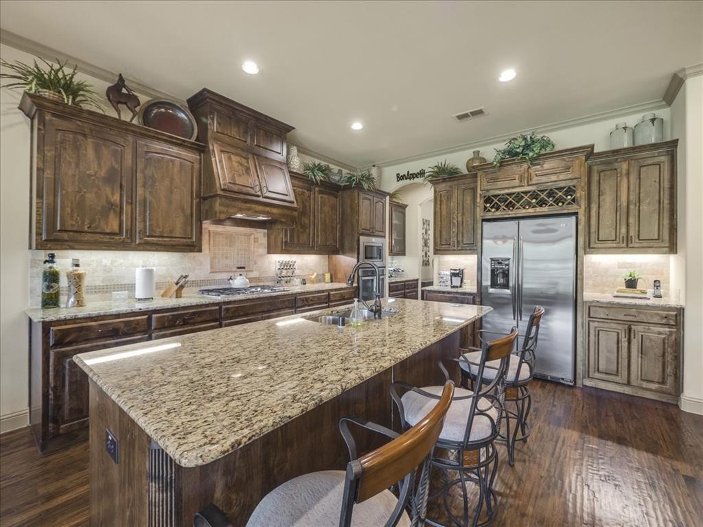 814 Winterwood  Court, Garland, Texas 75044 - acquisto real estate best highland park realtor amy gasperini fast real estate service