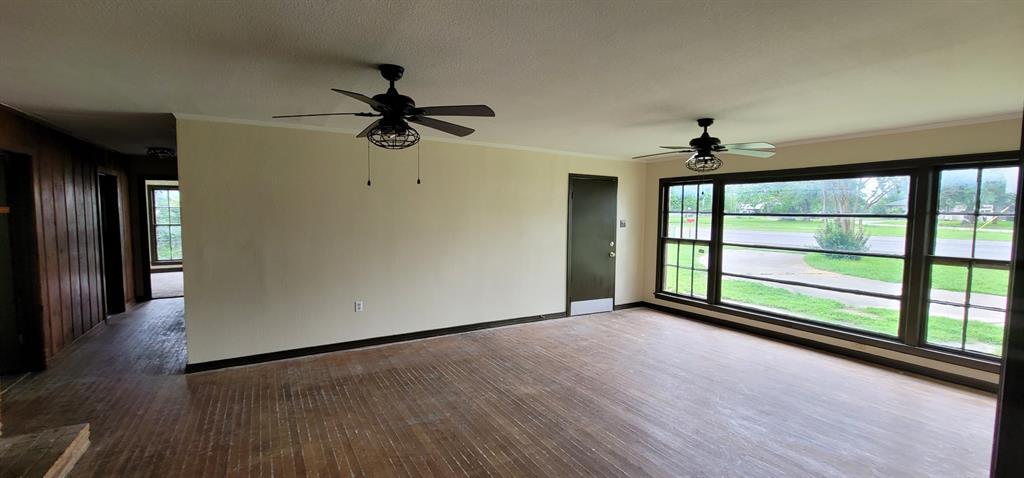 401 Pine  Street, Edgewood, Texas 75117 - acquisto real estate best the colony realtor linda miller the bridges real estate