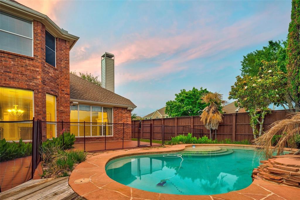 2204 Mesa Oak  Trail, Plano, Texas 75025 - Acquisto Real Estate best plano realtor mike Shepherd home owners association expert