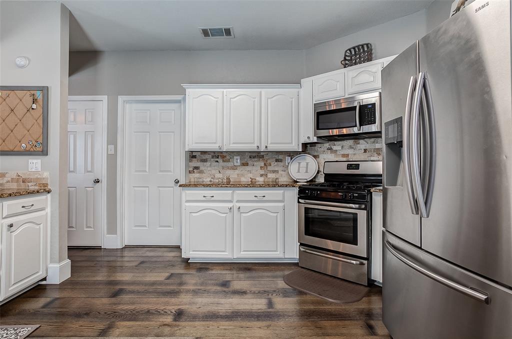 4737 Misty Ridge  Drive, Fort Worth, Texas 76137 - acquisto real estate best realtor dfw jody daley liberty high school realtor