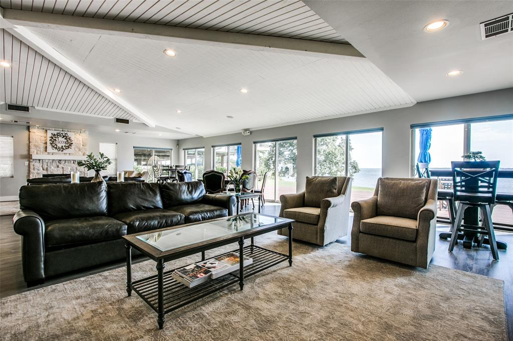500 Waters Edge  Drive, Lake Dallas, Texas 75065 - acquisto real estate best plano real estate agent mike shepherd