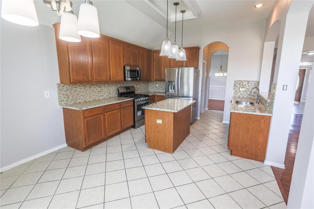 8104 Toltec  Court, Arlington, Texas 76002 - acquisto real estate best style realtor kim miller best real estate reviews dfw