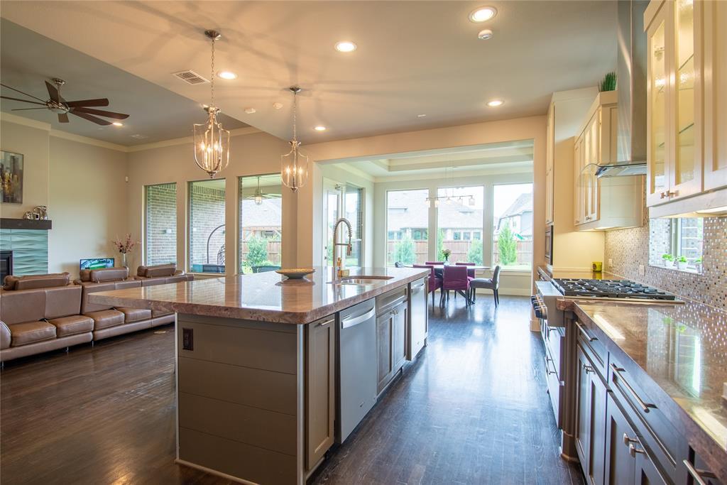 1317 Scarlet Oak  Drive, Arlington, Texas 76005 - acquisto real estate best photos for luxury listings amy gasperini quick sale real estate