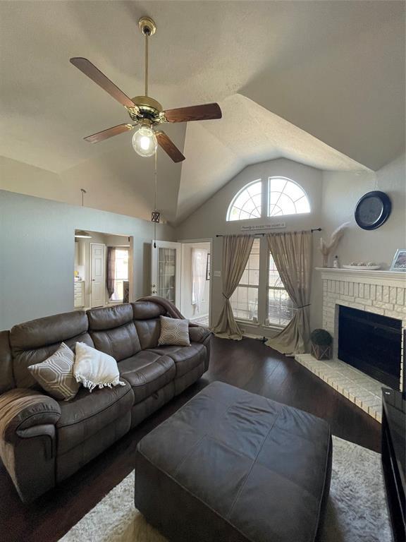 1205 Calvert  Drive, Cedar Hill, Texas 75104 - acquisto real estate best the colony realtor linda miller the bridges real estate